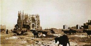 Début de construction Sagrada Familia